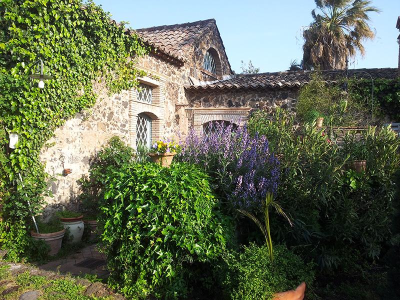 Bb la casa di francesca giardino - La casa di francesca ...